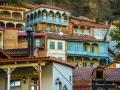 Тбилиси. Яркие краски домов.